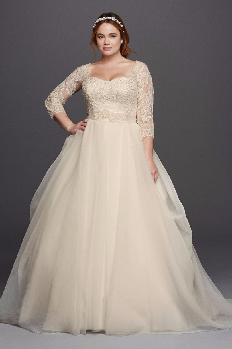 Where to find amazing plus size wedding dresses for Plus size wedding dresses with color and sleeves