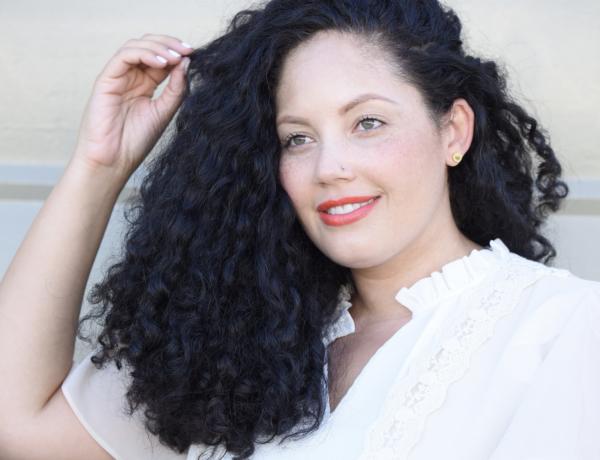 5 DIY Teeth Whitening Recipes That Really Work via @GirlWithCurves #tips #wellness